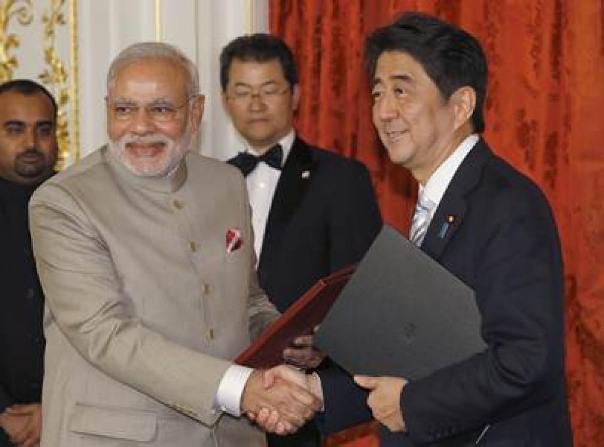 PM Modi congratulates Japanese PM Abe on poll win