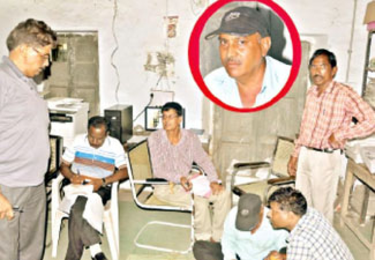 Patwari caught accepting bribe of Rs 2000