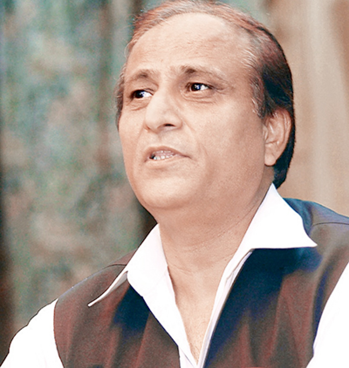 Azam Khan quizzed for carrying live bullets at airport