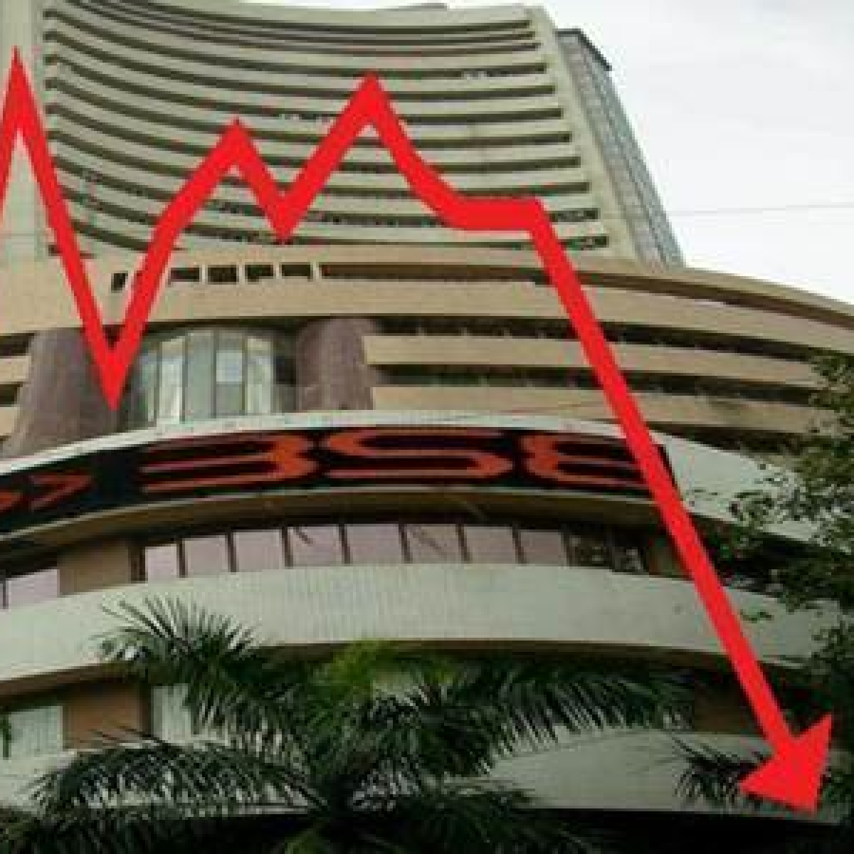 Bears tighten grip on D-St, Sensex plunges 793 points after Budget announcements