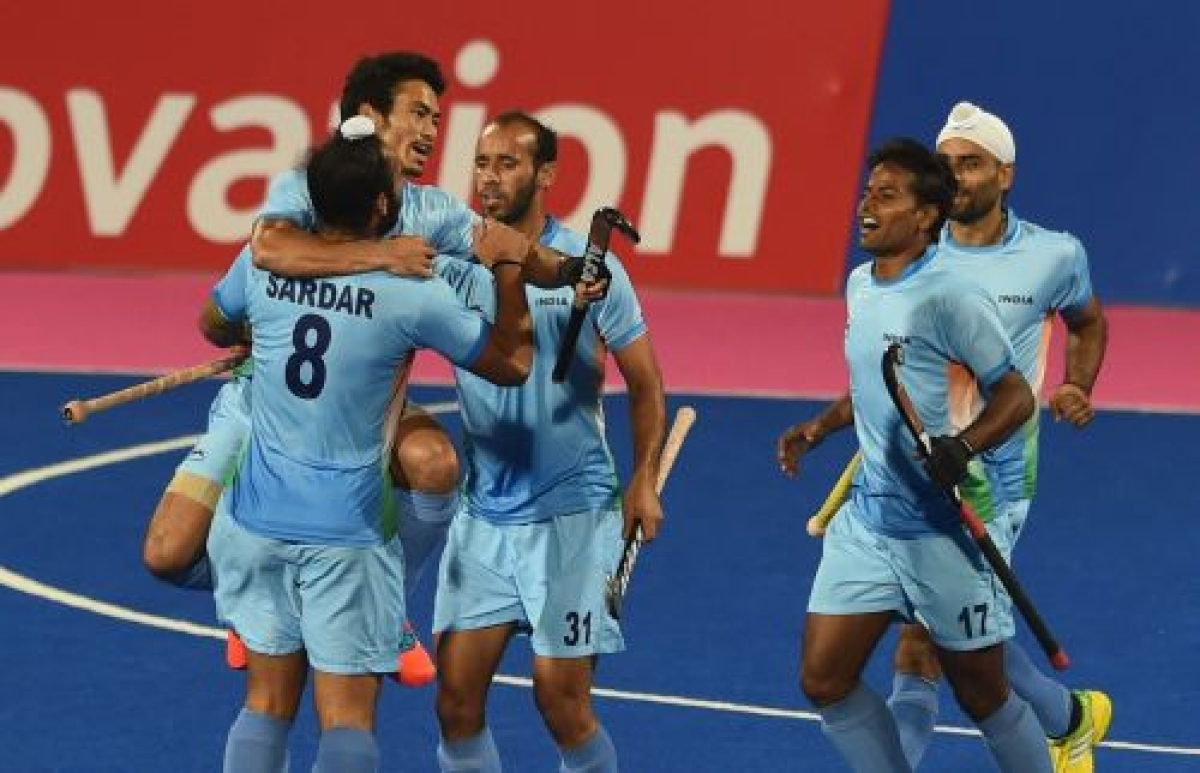 Hockey team win gold after 16 years, women's relay team champions again
