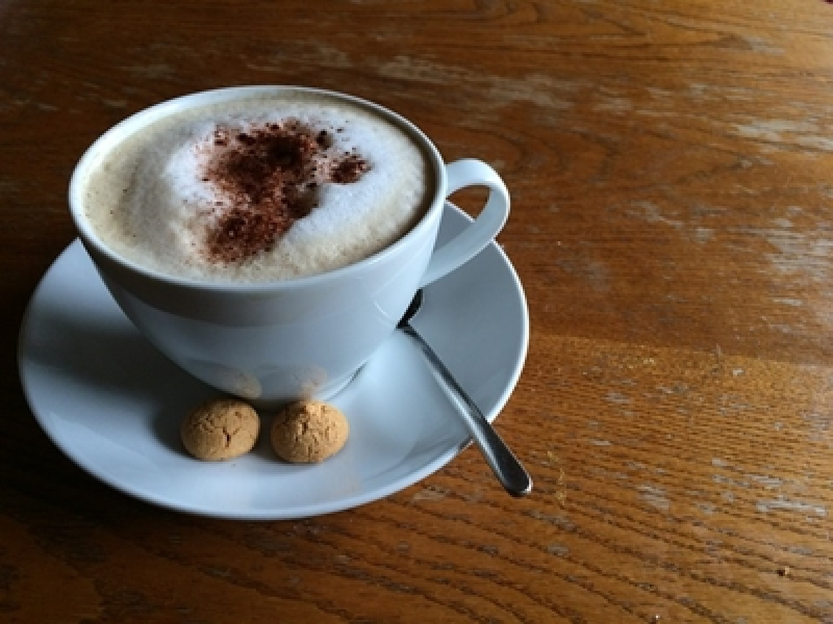 3 to 5 cups of daily coffee may lower heart attack risk