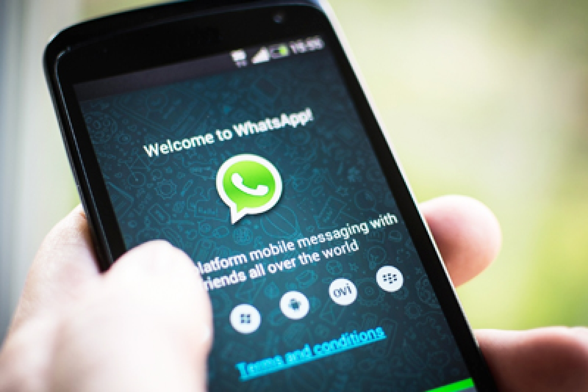 It's finally here! WhatsApp introduces Dark Theme for iOS and Android phones