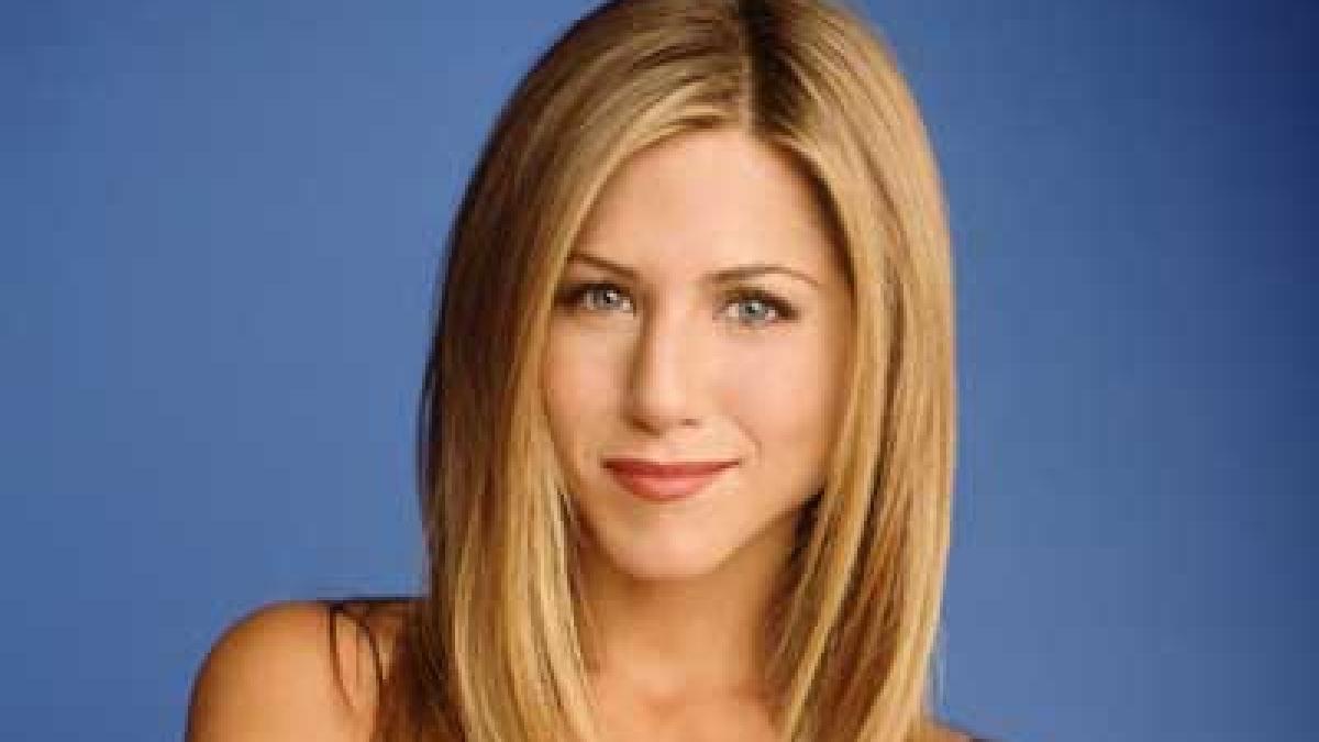 Jennifer Aniston was told to lose 14 kgs  for Rachel Green's role in 'Friends'