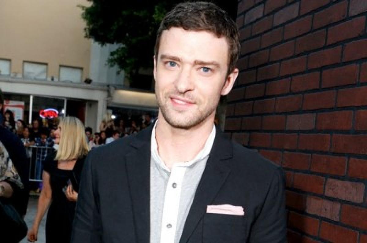 Justin Timberlake crashes a wedding