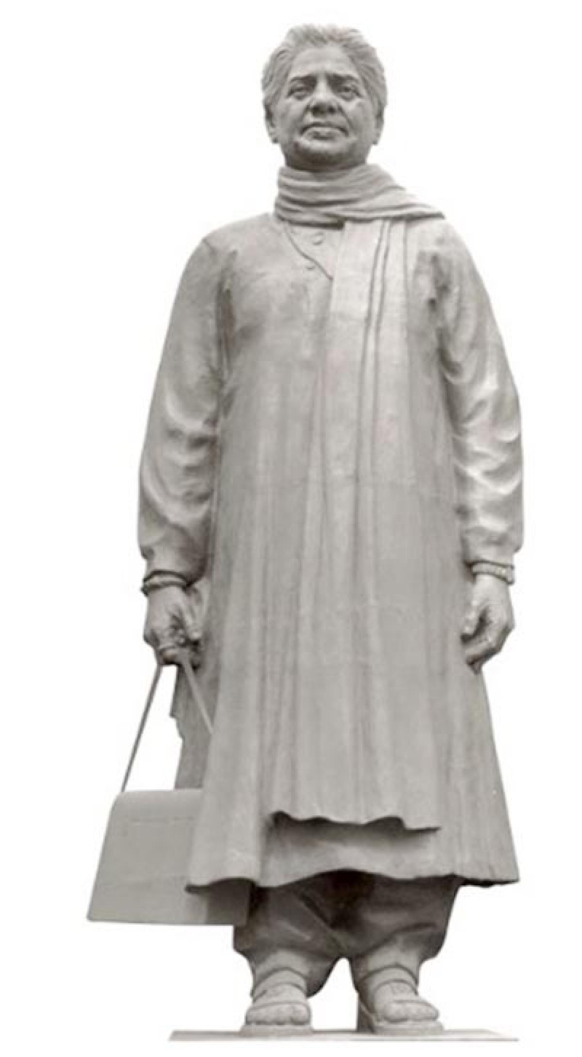 Mayawati In Dock Again Over Statues