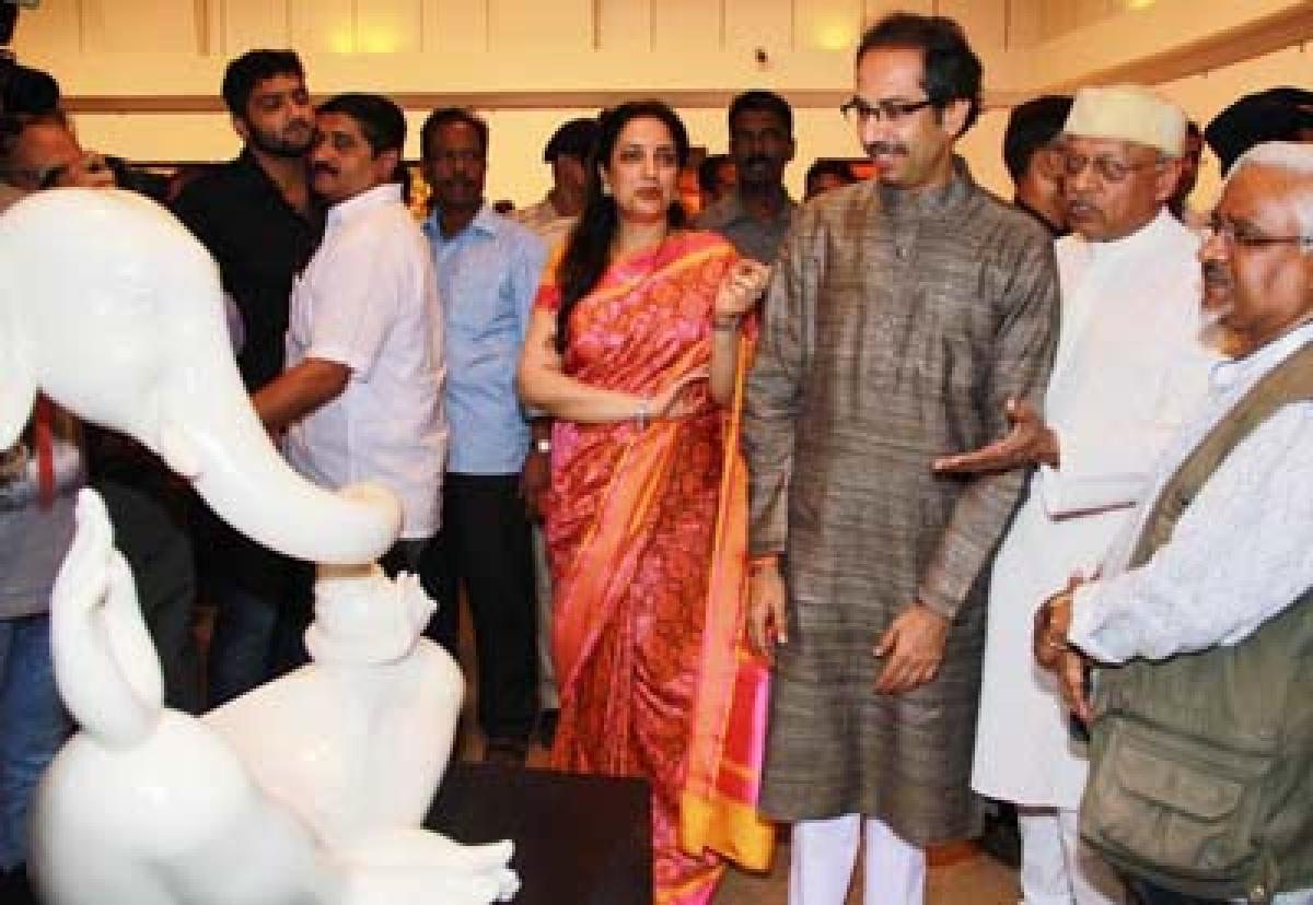 BJP Climbs Down A Bit To Placate Sena