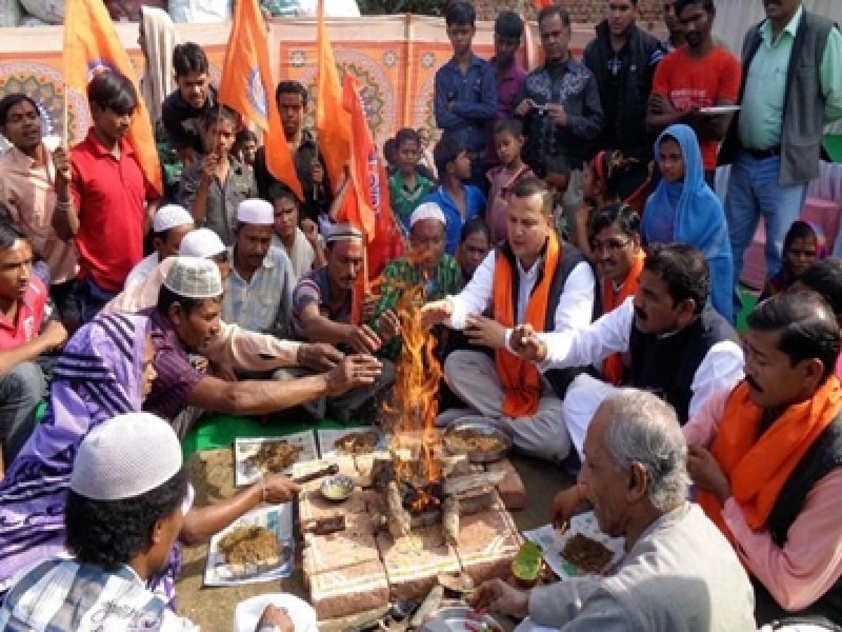 Sena bats for strong anti-conversion law
