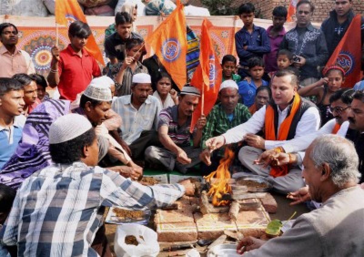 Time for A R Rahman's 'ghar-wapsi', says VHP over fatwa row