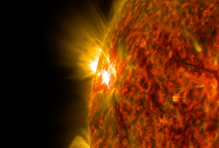 Mid-level solar flare observed by NASA on Dec  16