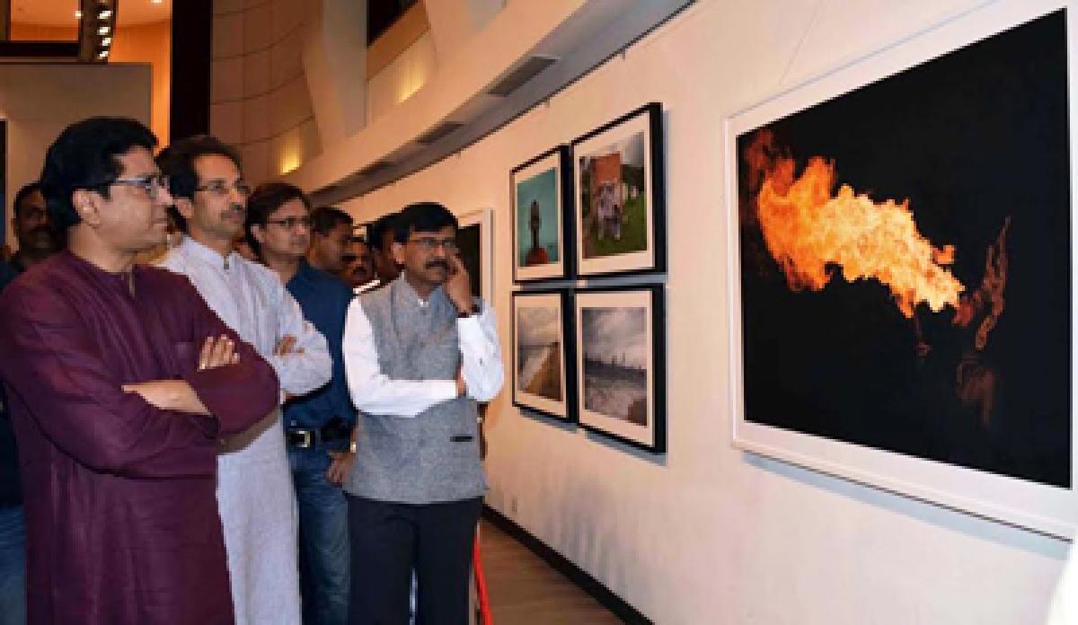 Warring Thackeray Cousins Meet Again – At An Art Gallery!