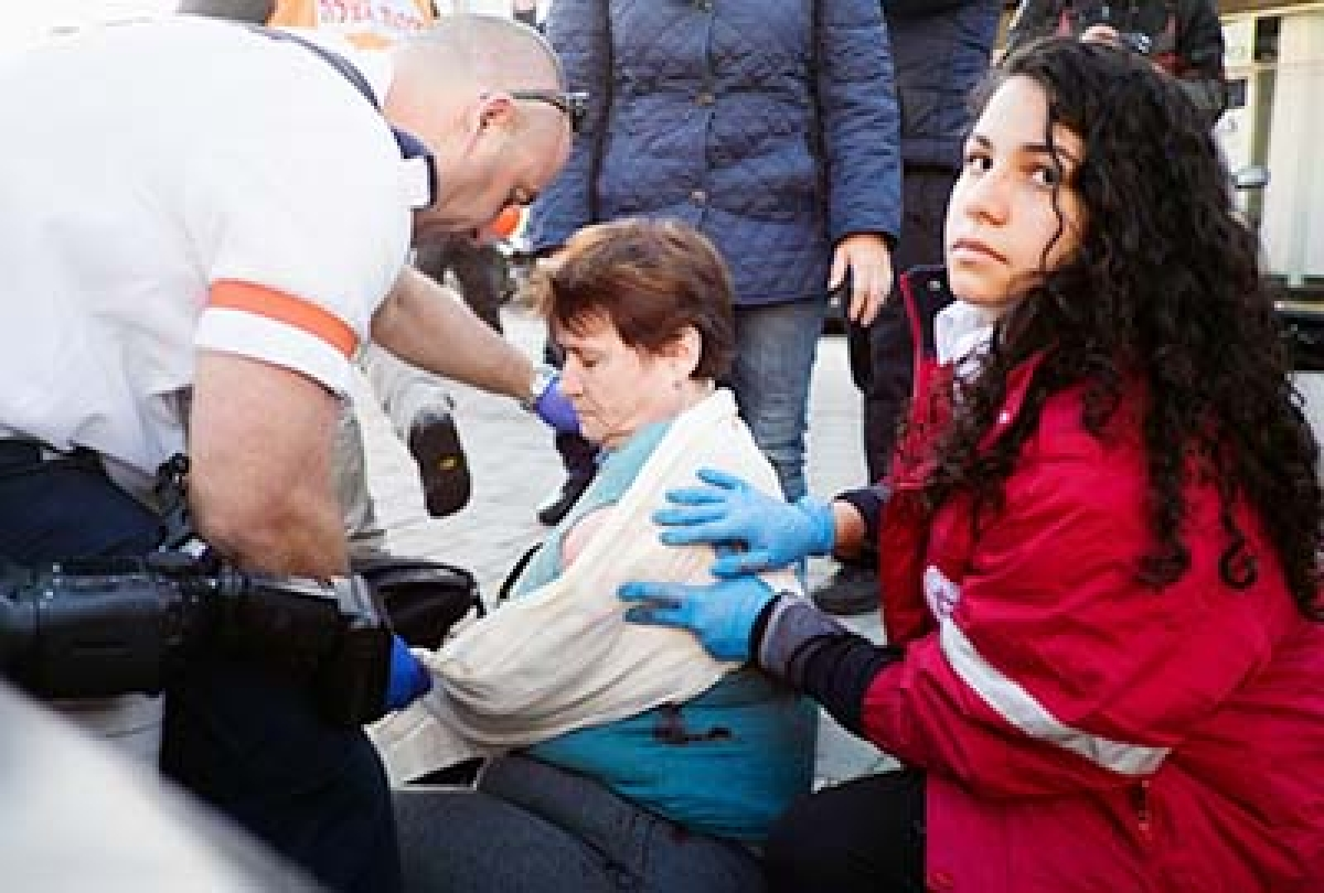 12 stabbed on  Israel bus in  lone-wolf attack