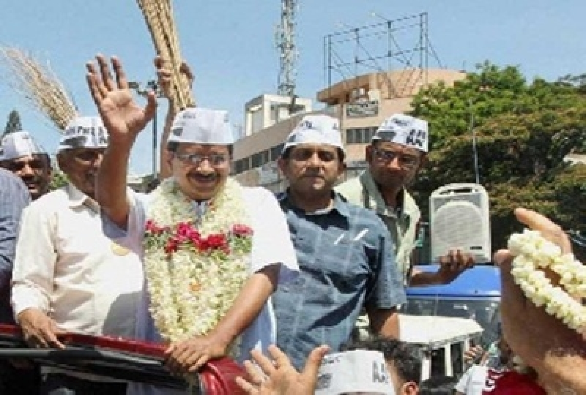 Arvind Kejriwal launches roadshow ahead of filing nomination