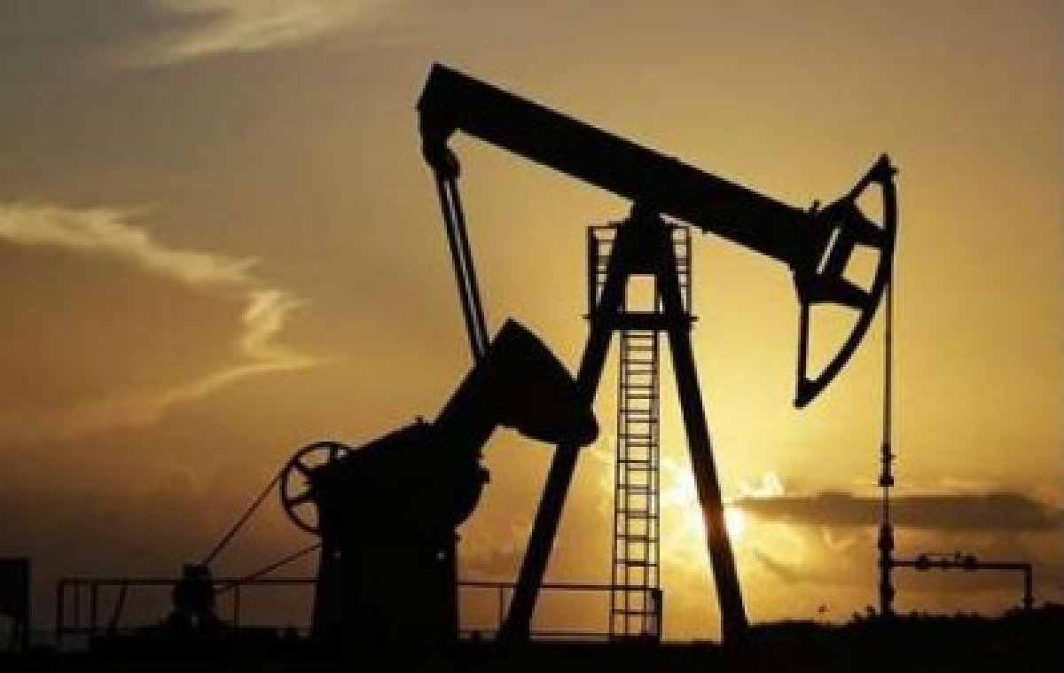 Oil prices extend gains in Asia