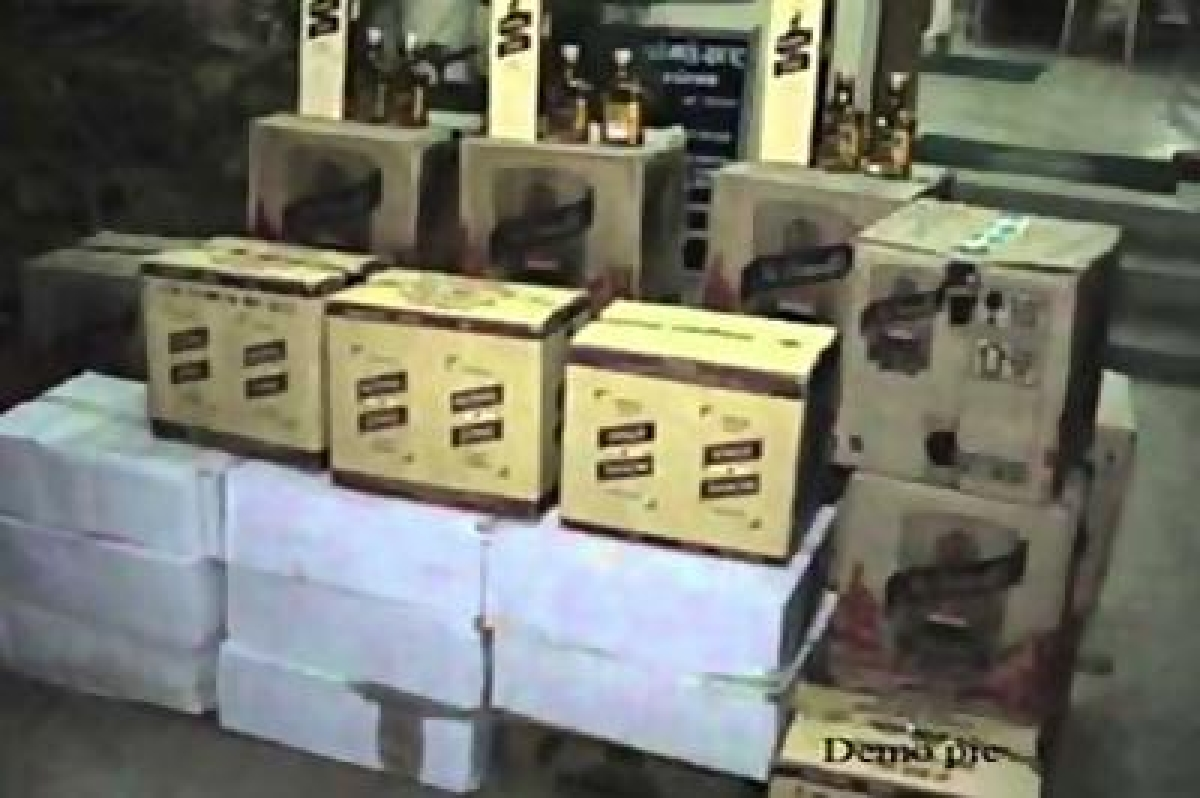 Amid prohibition and lockdown, Bihar Police nab 596 cartons of foreign liquor in Darbhanga