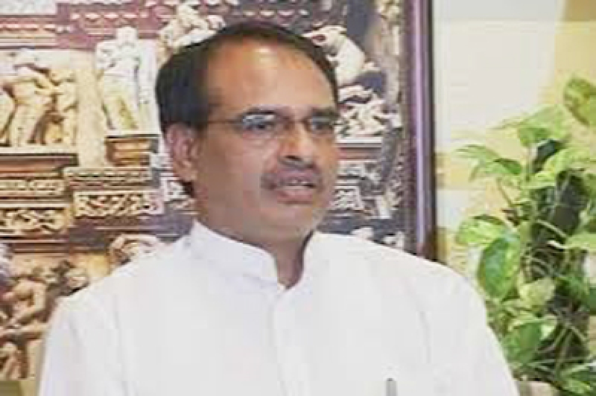 Congress allegs Shivraj Singh Chauhan of alluring voters, demand action