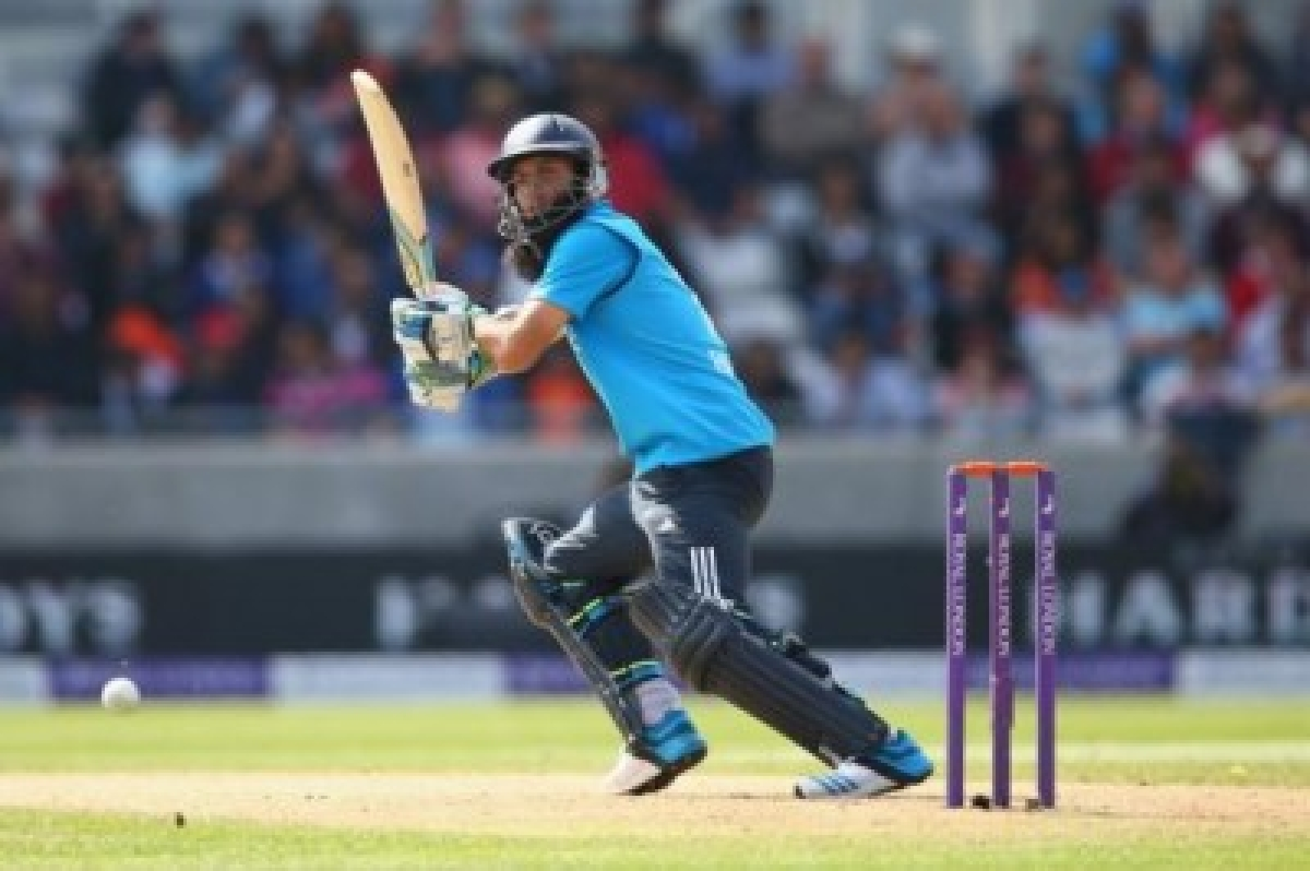 England steady after Ali's fall