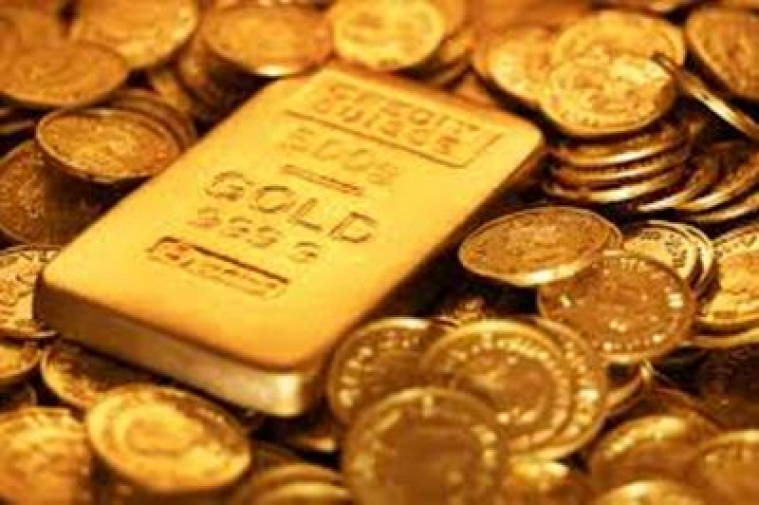 Gold up on weak US dollar