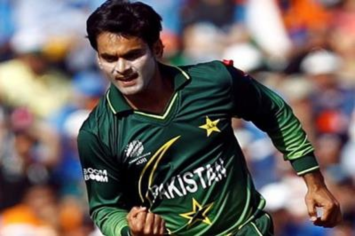 Hafeez fails ICC bowling test, banned for 12 months