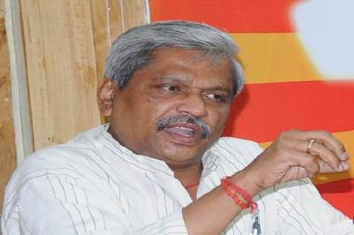 Bhopal: Congress insulting CM Shivraj Singh Chouhan's family, says Prabhat Jha