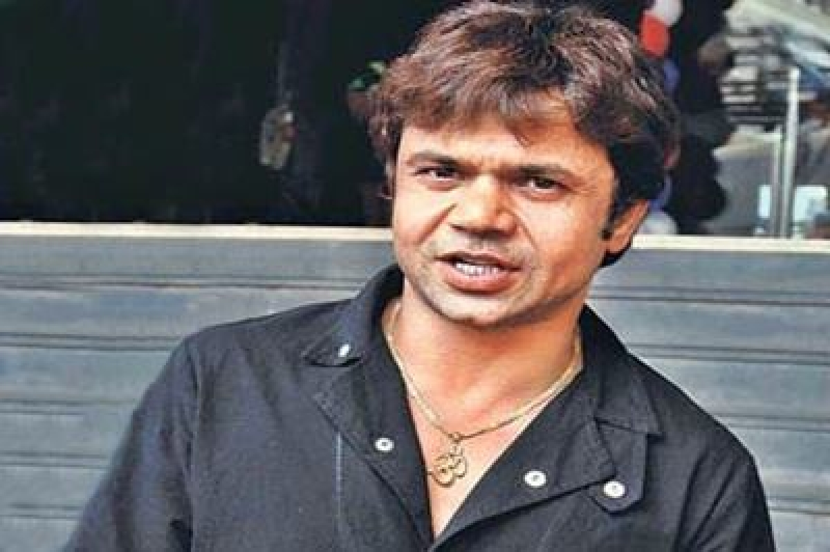 Indore: Rajpal Yadav appears before courtin cheque dishonour case, granted bail