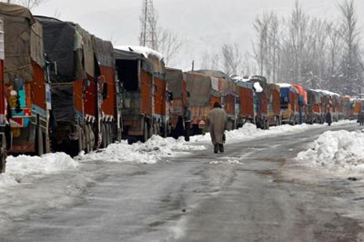 Jammu-Srinagar highway closed