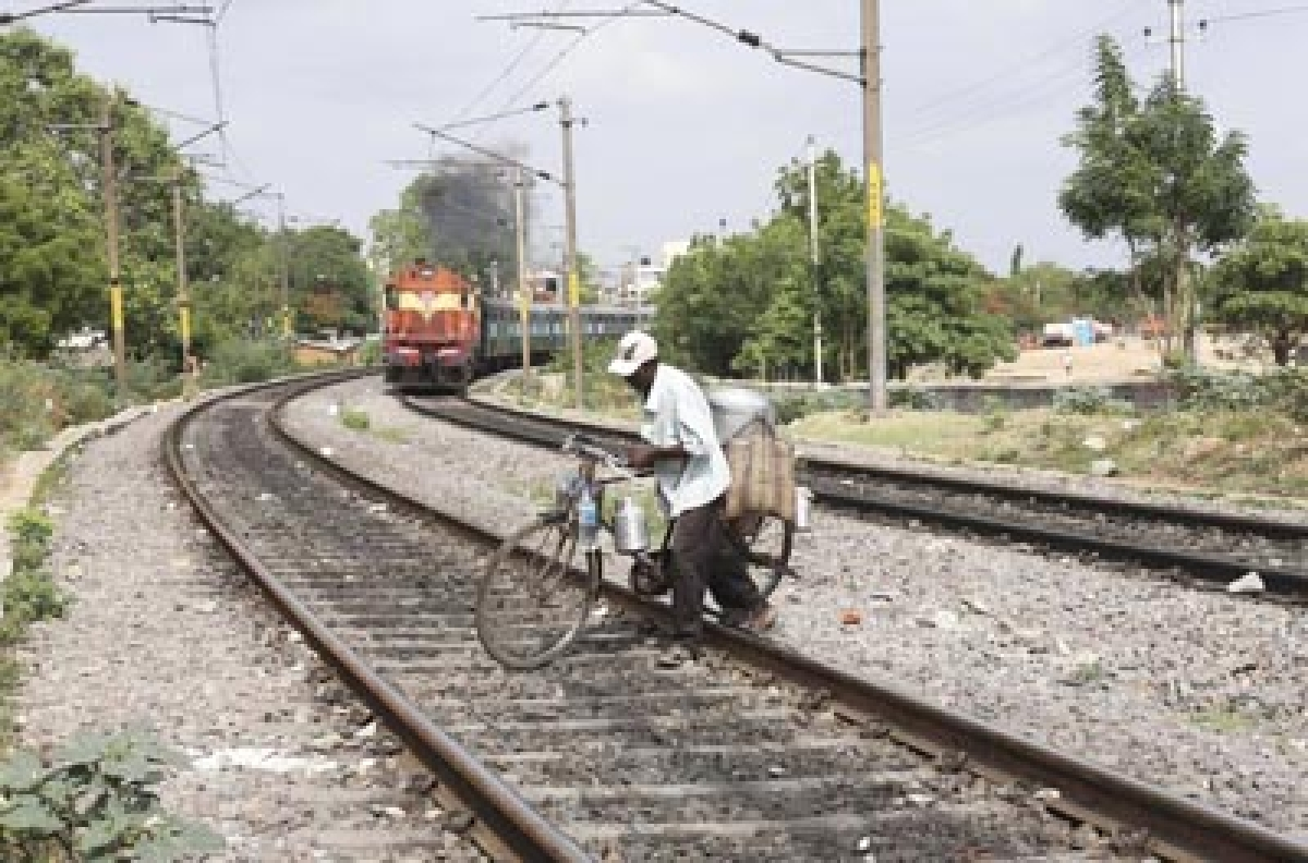 341 people caught trespassing on Central Railway tracks in campaign