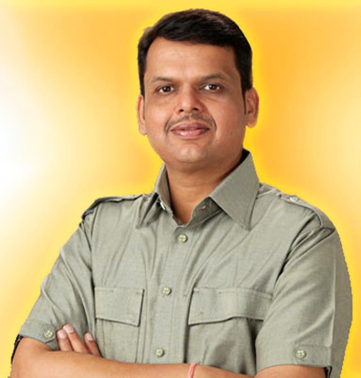 CM Fadnavis winds up yatra, reviews flood situation