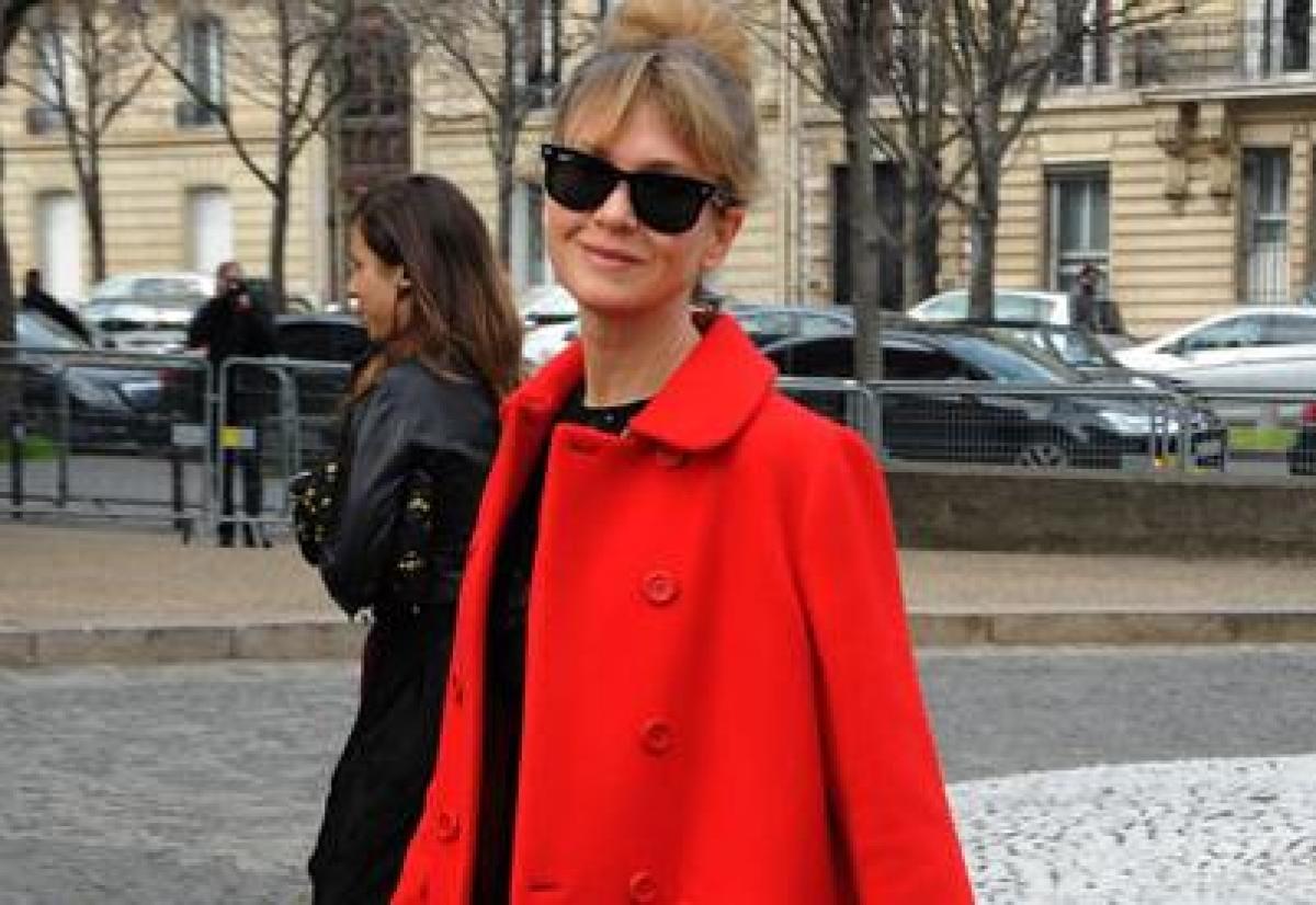 Renee Zellweger spotted at Paris Fashion Week