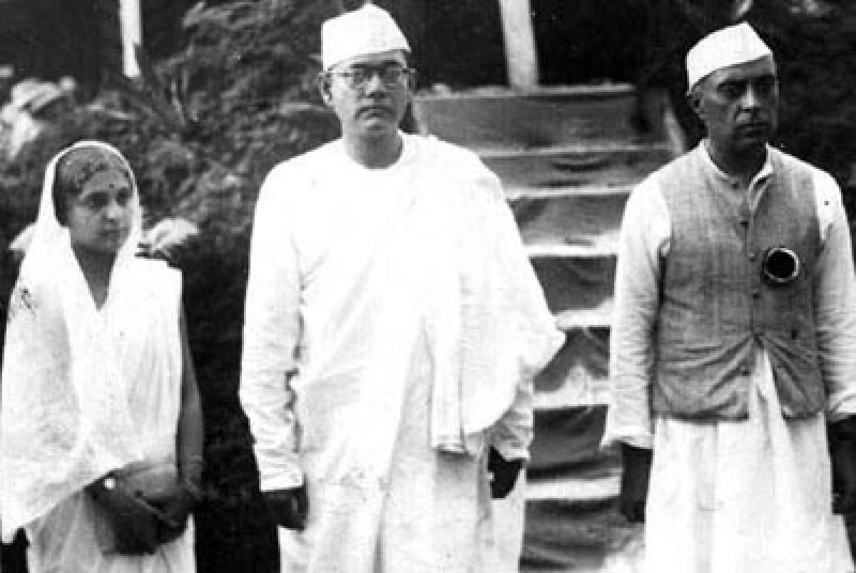 Netaji comes 'alive' again, Cong calls it Nehru bashing