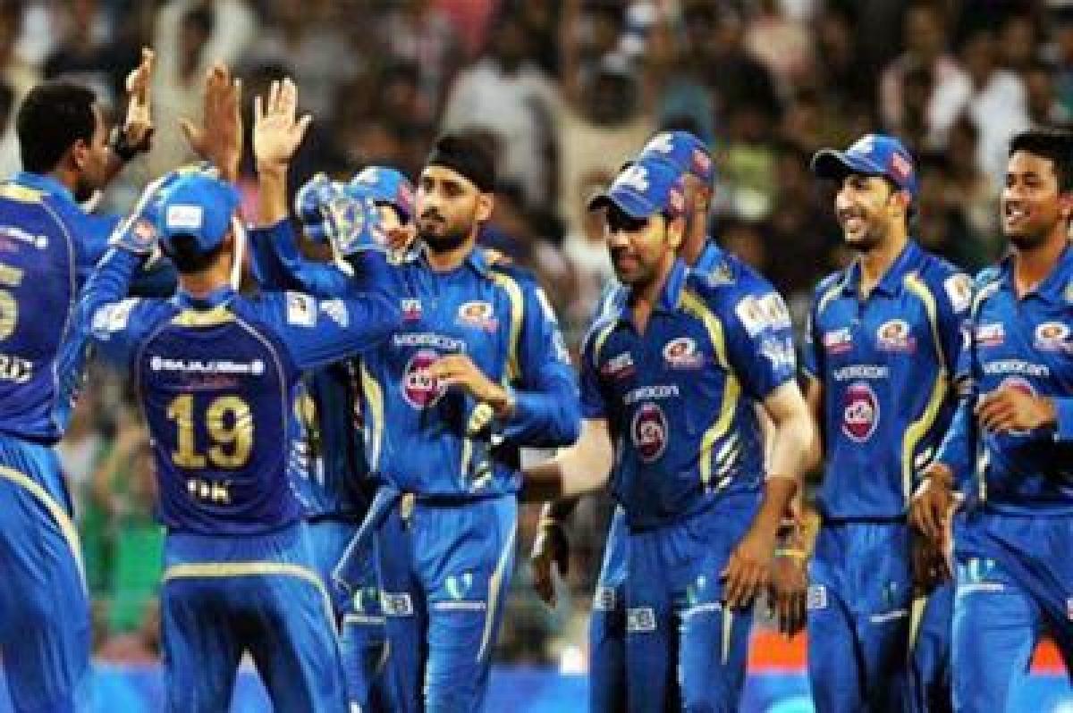 Resurgent Mumbai Indians take on inconsistent Delhi Daredevils in key contest