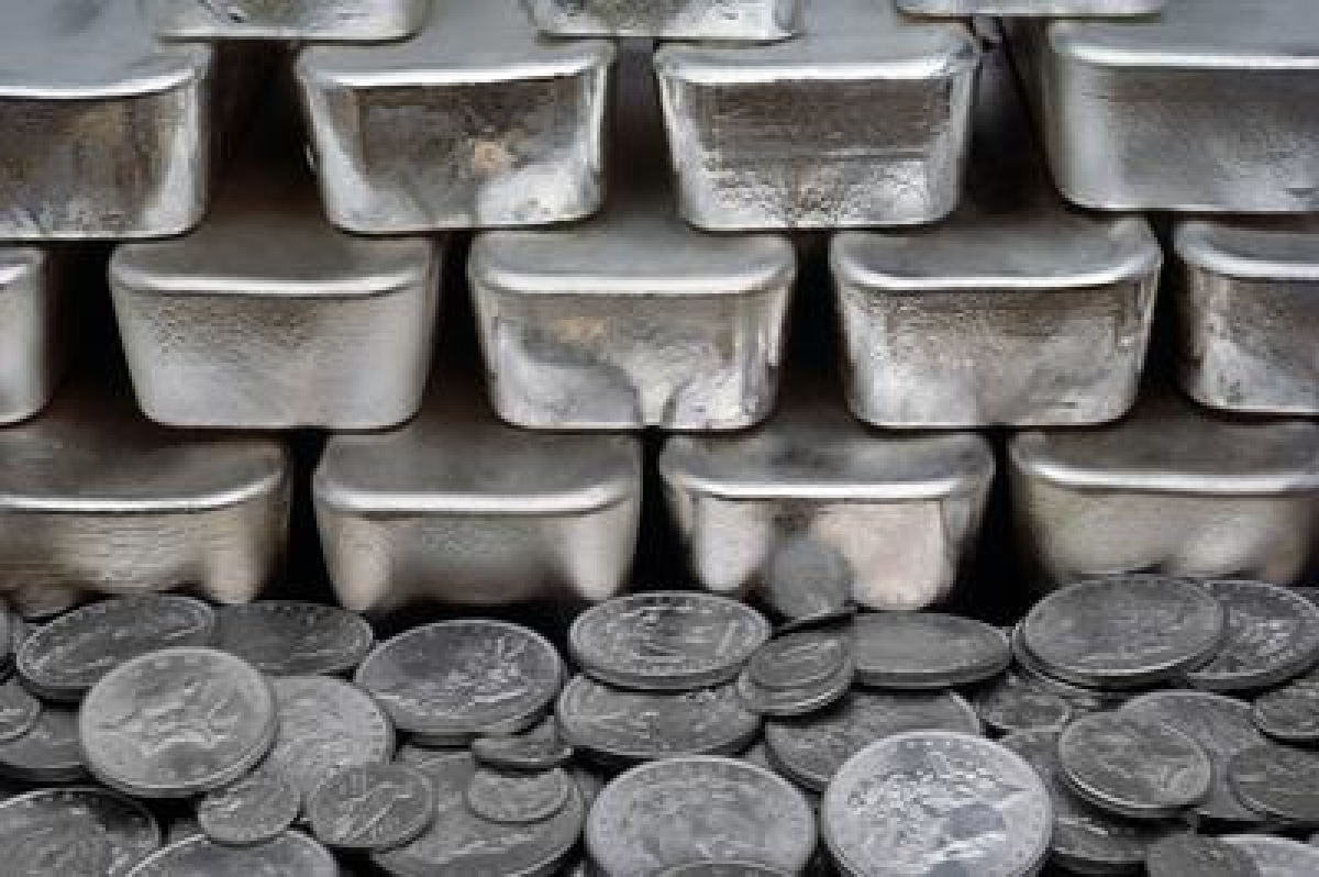 Silver futures up Rs 98 on global cues