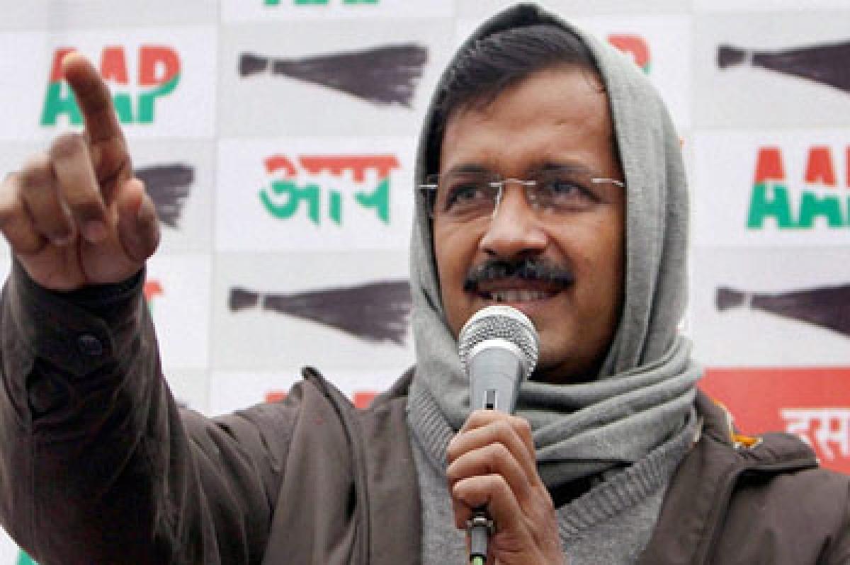 Rajnath supports odd-even formula, says Kejriwal