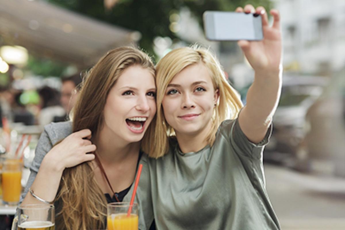Most women post sixth  selfie on social media