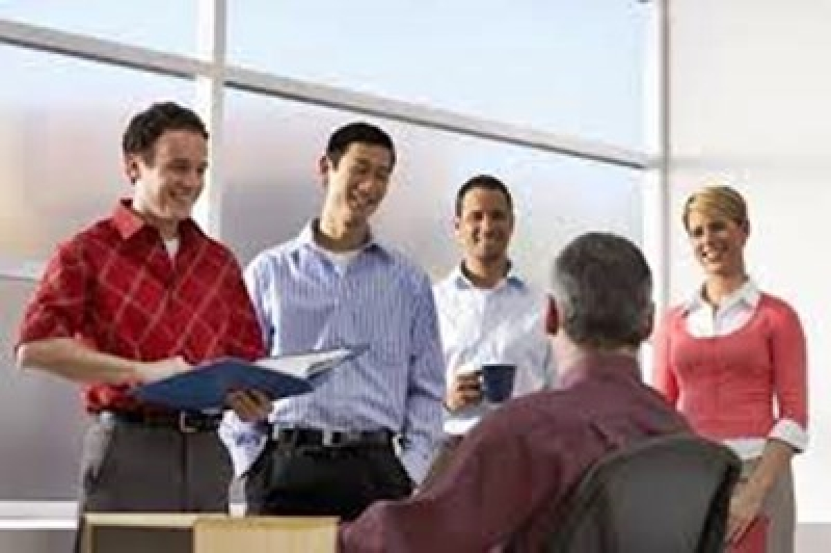 Bosses must 'serve' employees for better productivity