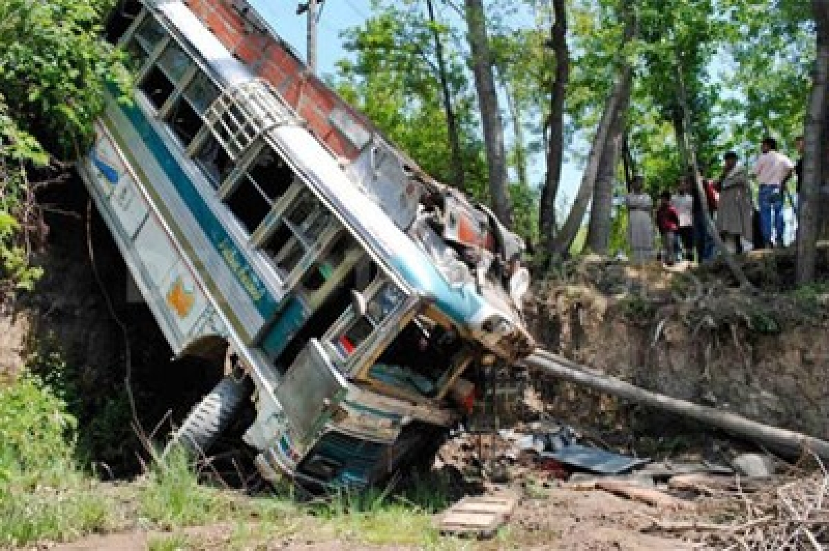 5 die in bus mishap in Giridih