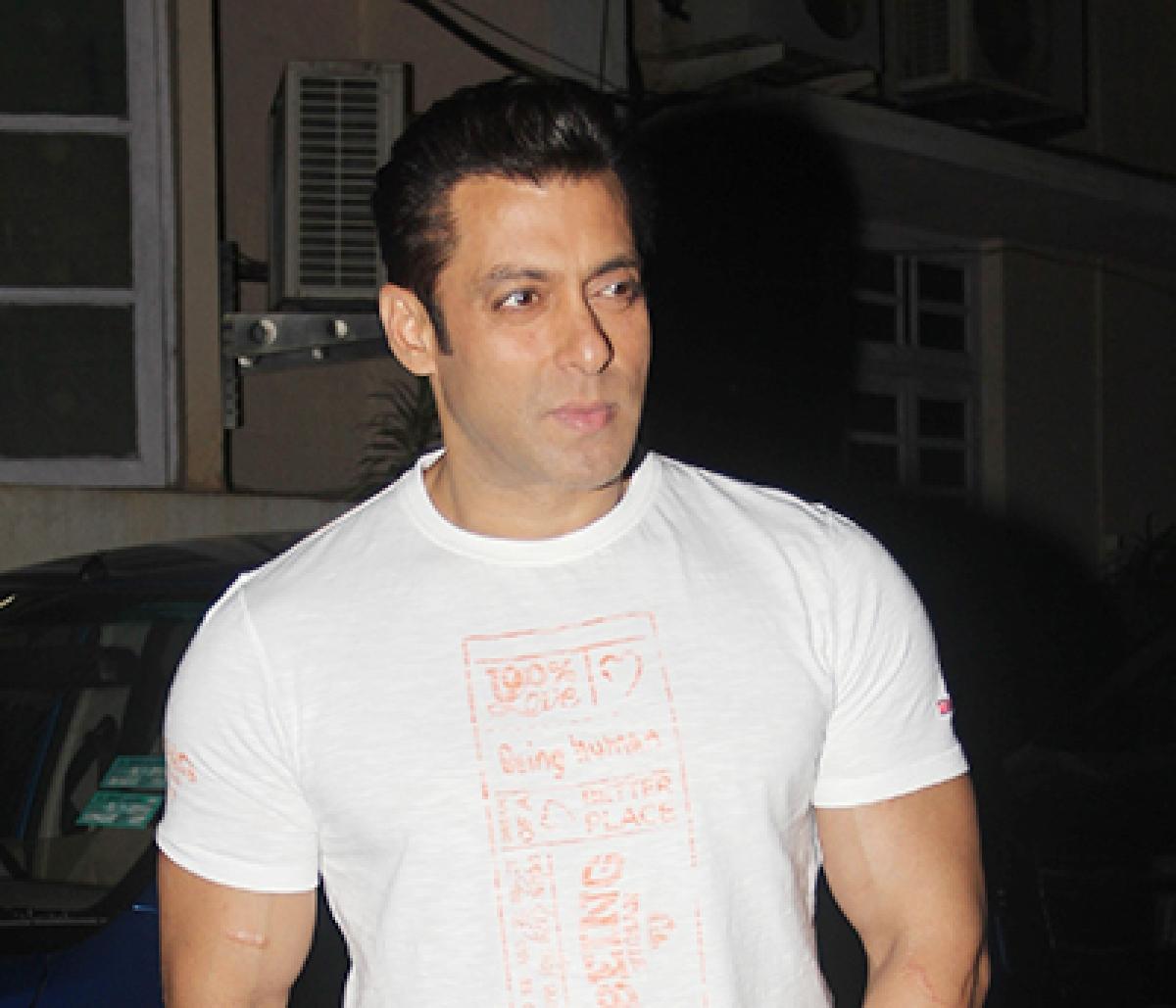 'Jazbaati sawaal kar diya', says Salman about Aishwarya
