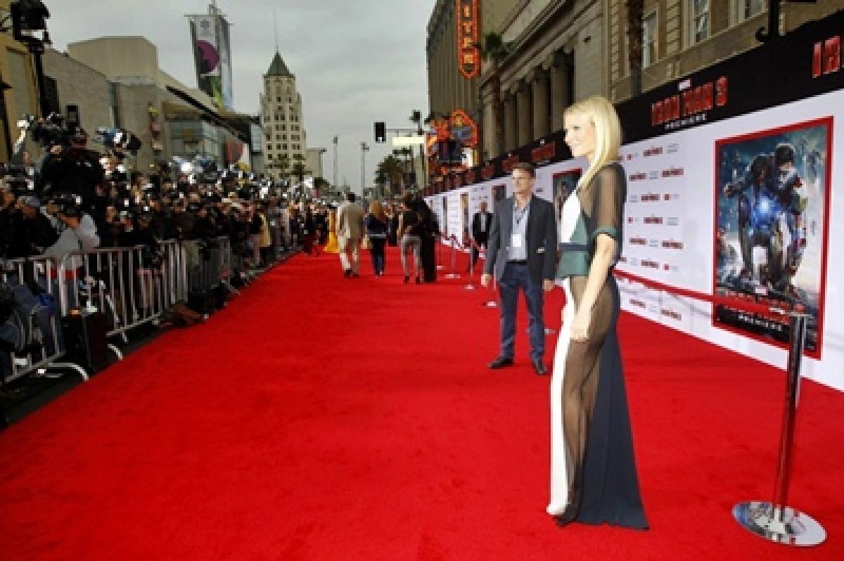 Actress Gwyneth Paltrow faces wardrobe malfunction