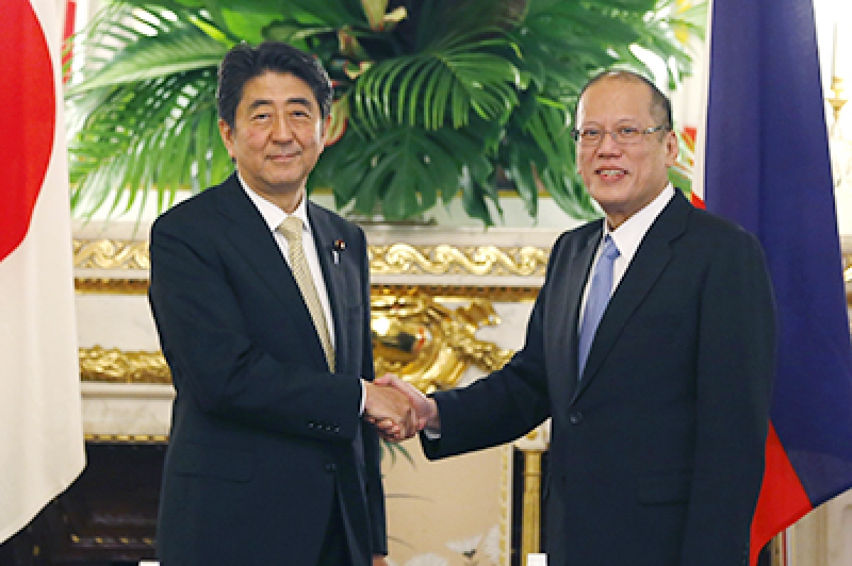 Japan, Philippines eye deeper defence ties as China rises