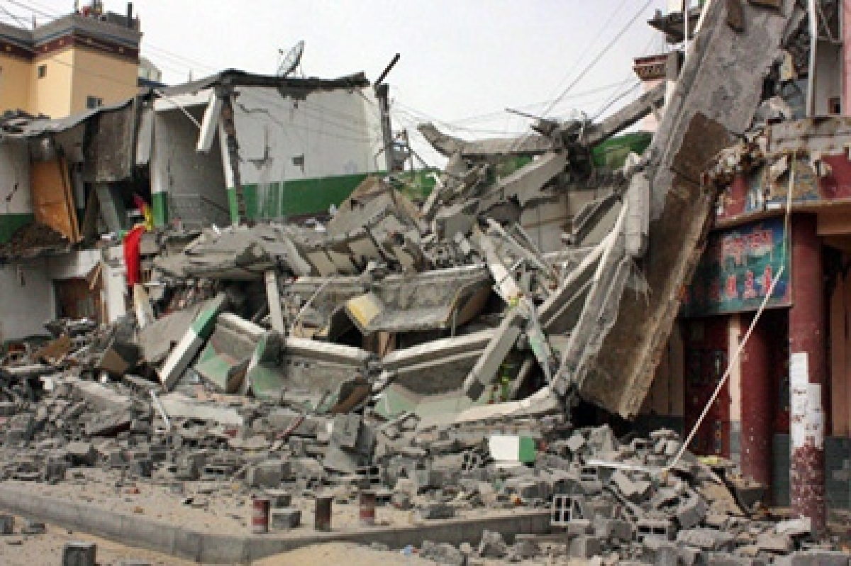 NDRF teams rush to NE after quake, Home Minister takes stock
