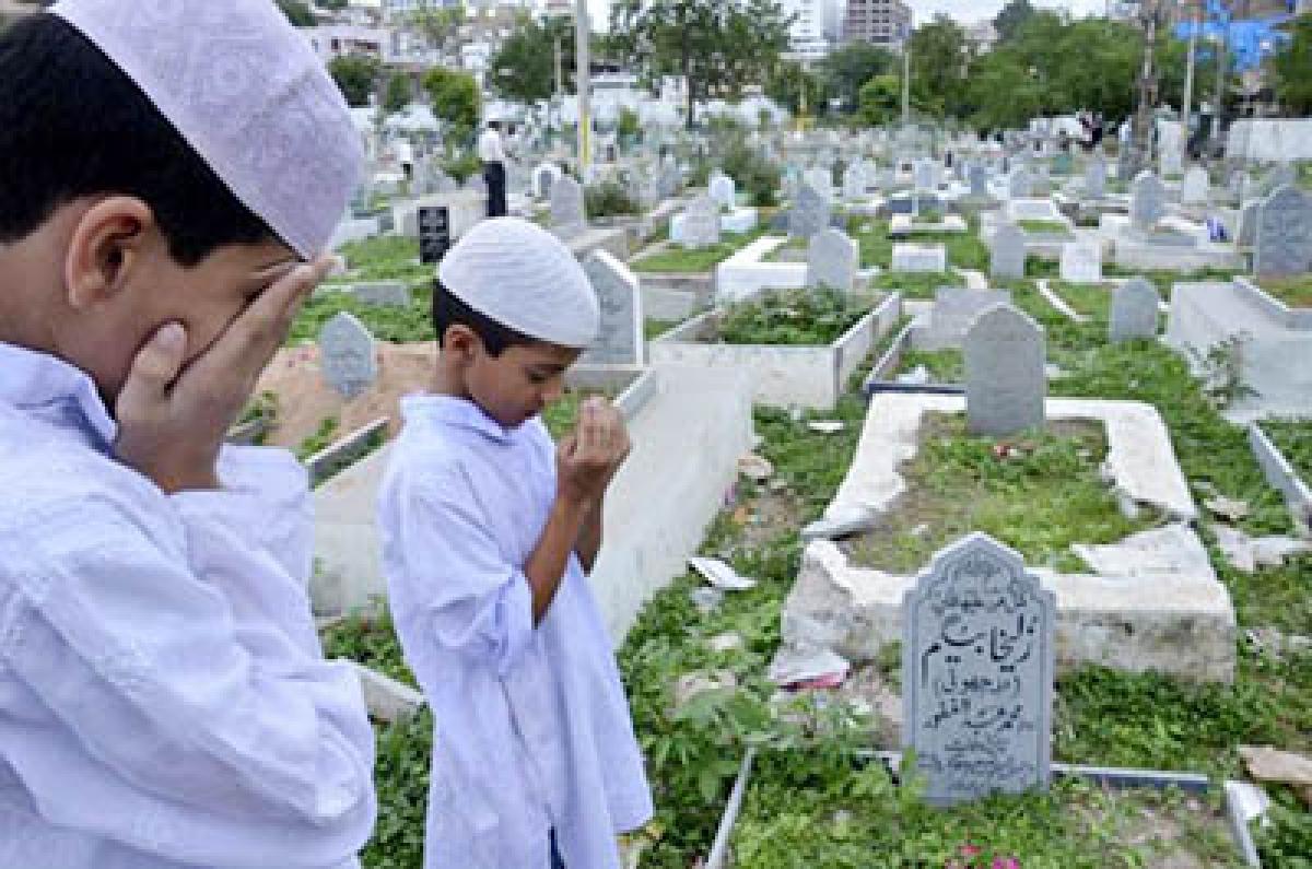 Muslim devotees observe Shab-e-Barat peacefully