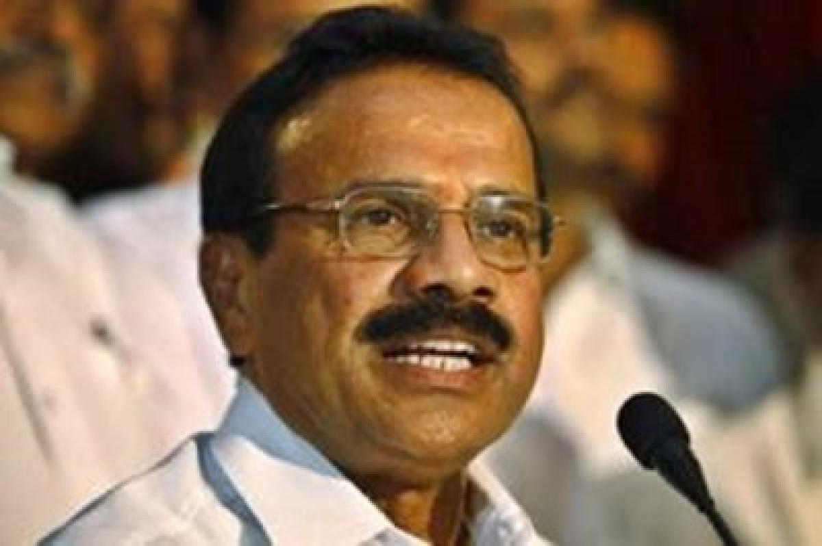 Sadananda Gowda trains guns against Lalit Modi