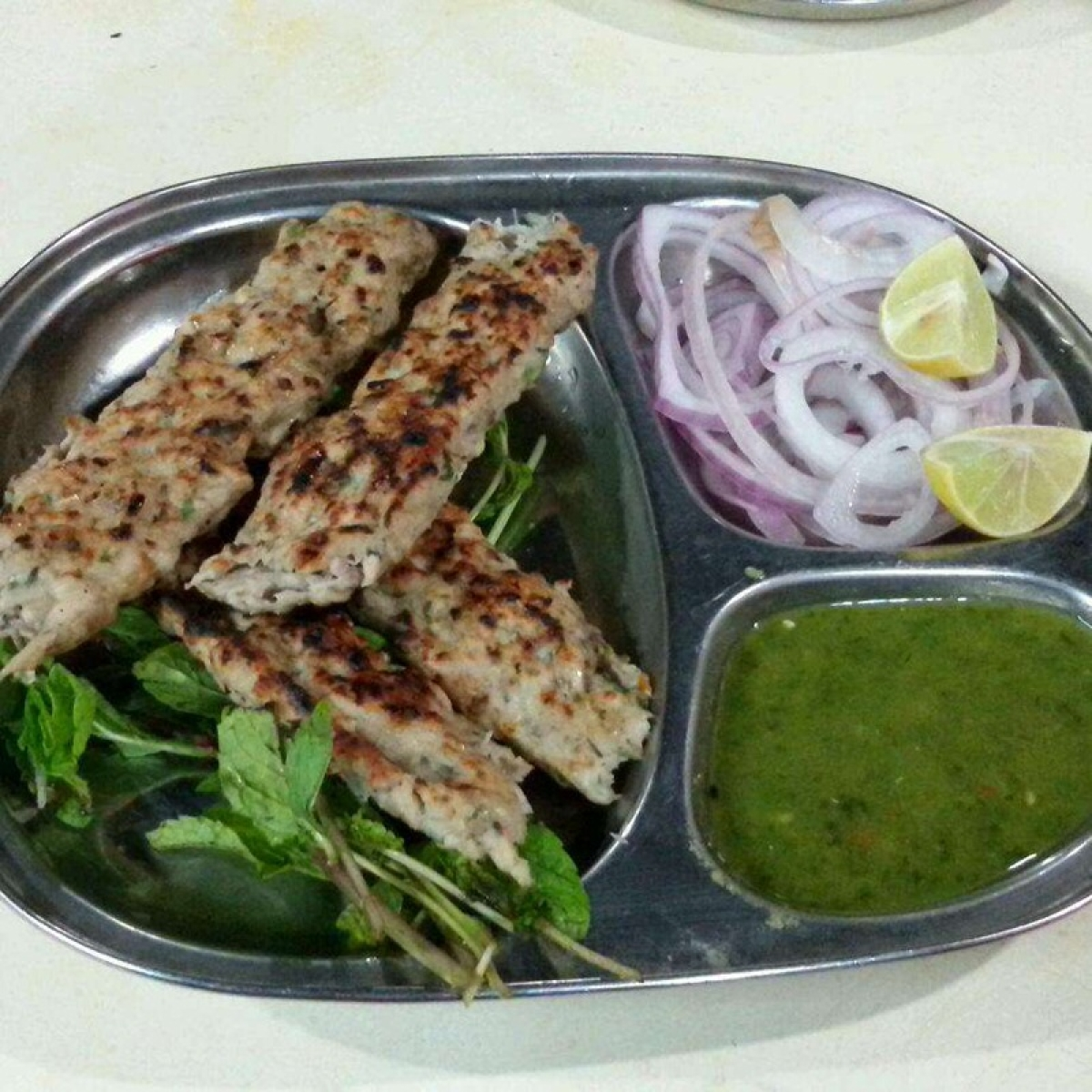 Seekh Kebab with mint chutney at Sarvi Picture Credits: www.mumbaieastwest.in