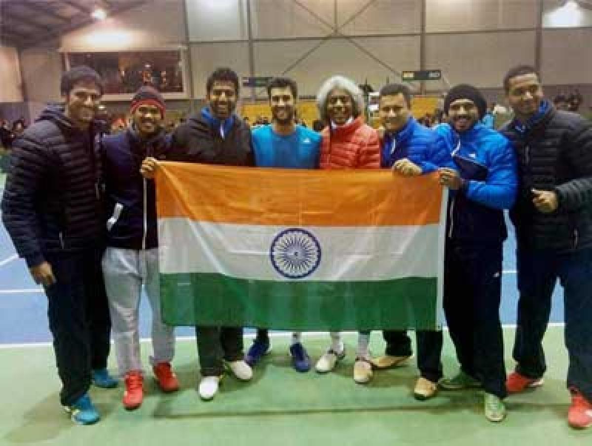 Somdev, Yuki take India to World Group Play-offs