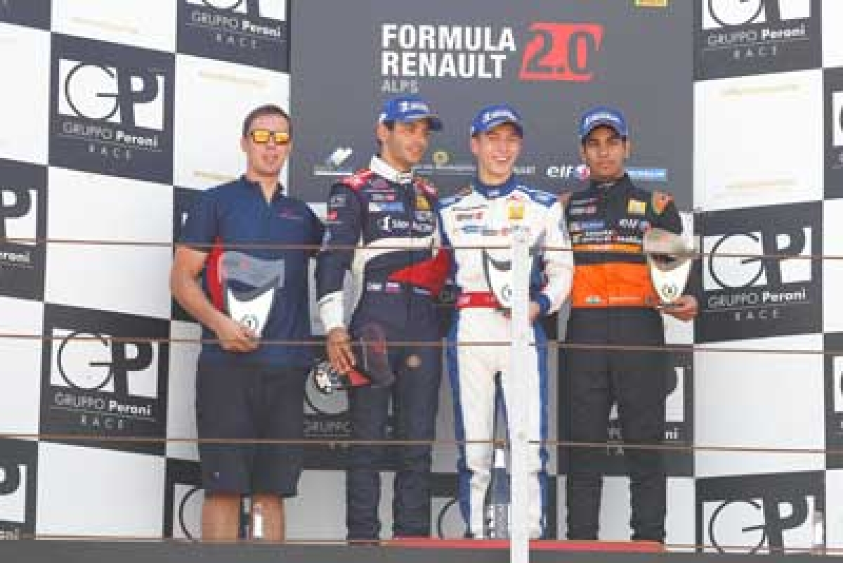 Jehan clinch pole in Formula Renault series