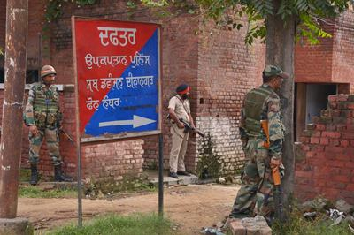 Chhattisgarh: Five Maoists killed in encounter, 2 security personnel injured