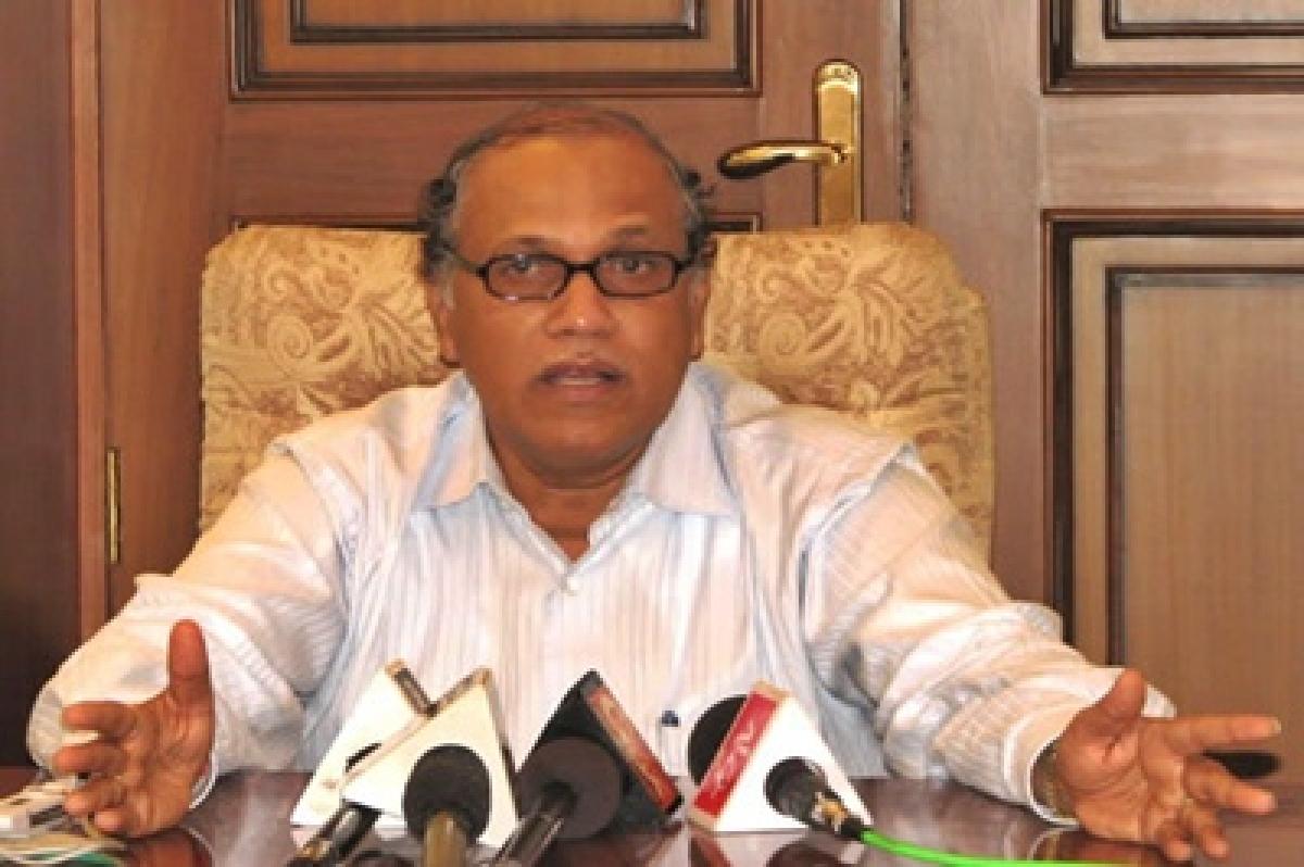 ED, Crime Branch raid Digambar Kamat, kins' premises