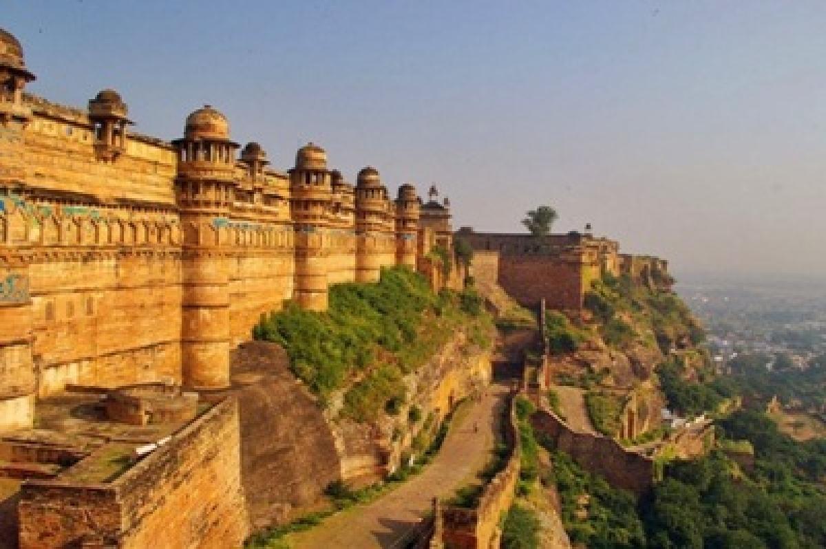 Explore the dynamic forts of Madhya Pradesh