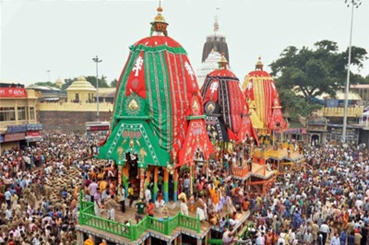 Millennium's first Nabakalebar Rath Yatra held at Puri