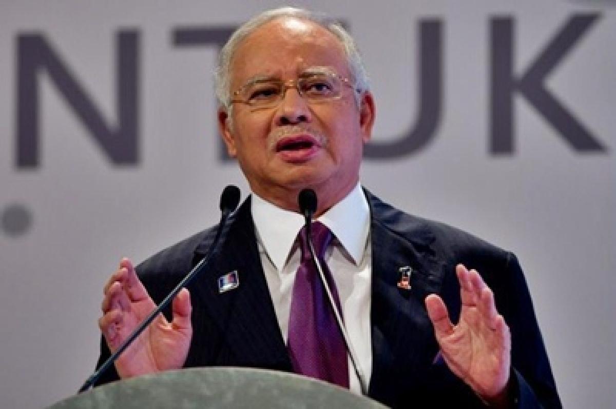 Malaysia asks Indonesia to control raging fire causing smog: Najib Razak